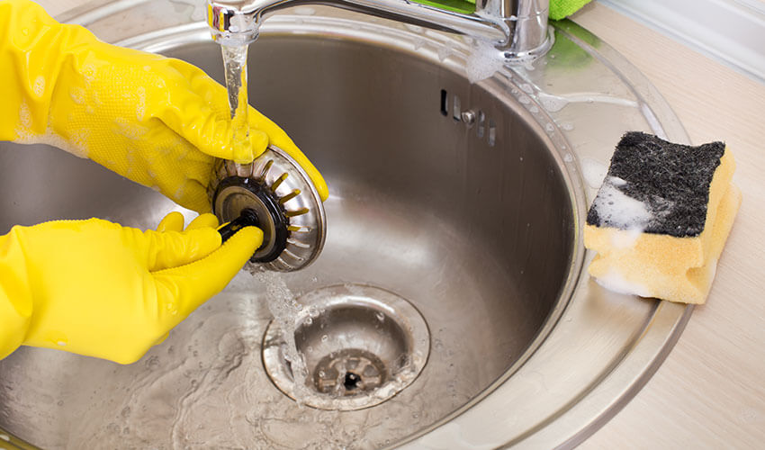 8 Ways on How to Unclog Your Kitchen Sink Drain