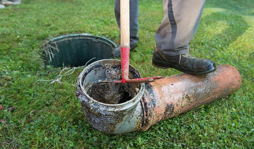 4 Common Septic Tank Problems and How to Fix Them
