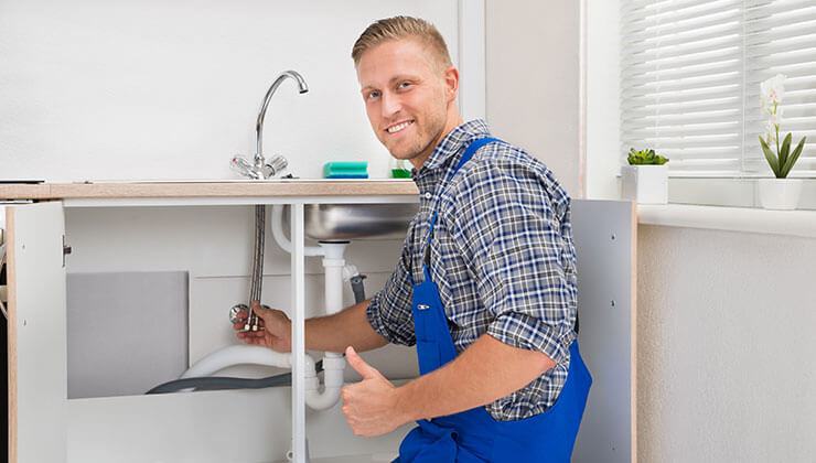 5 Factors to Consider When Choosing a Plumber